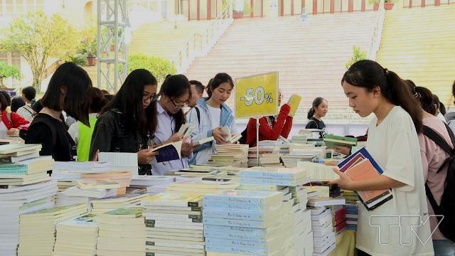 Thanh Hóa: Tổ chức Ngày sách Việt Nam lần thứ 6 năm 2019 - Ảnh 1.
