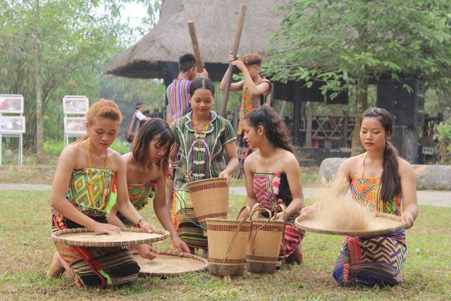 Độc đáo Lễ hội cúng cơm mới của dân tộc Xtiêng - Ảnh 2.