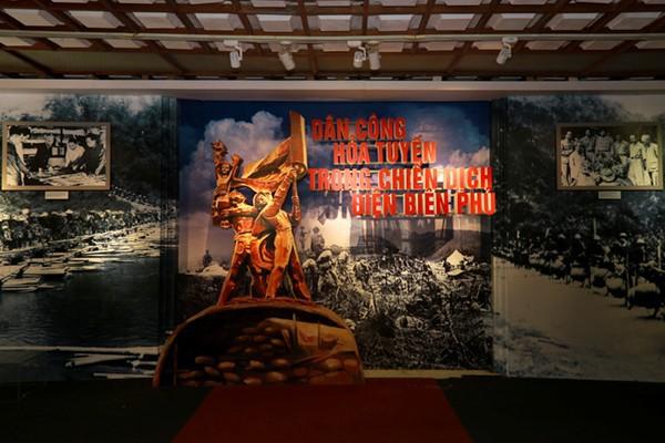 Khai mạc triển lãm Dân công hỏa tuyến trong chiến dịch Điện Biên Phủ - Ảnh 1.