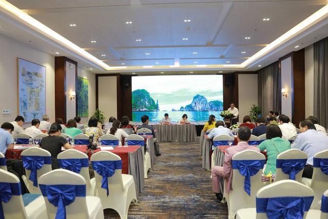 """Bộ trưởng Nguyễn Ngọc Thiện: """"Di sản chính là linh hồn, sản phẩm du lịch hàng đầu của tỉnh Quảng Ninh"""" - Ảnh 2."""