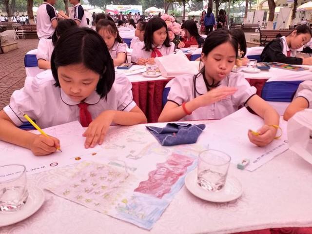 Phát động cuộc thi vẽ tranh Vì một Việt Nam xanh - Ảnh 1.
