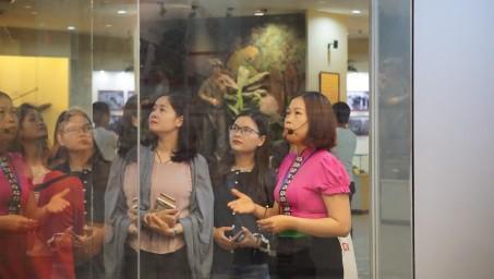Bảo tàng Lịch sử quốc gia tham quan, trao đổi chuyên môn, nghiệp vụ tại các bảo tàng, di tích khu vực Tây Bắc - Ảnh 4.