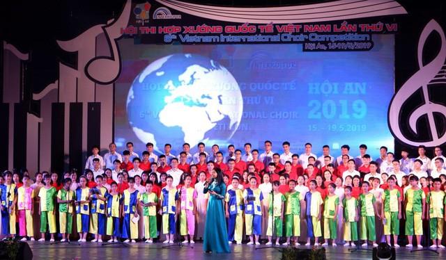 Gần 1.000 nghệ sĩ tham gia hội thi hợp xướng quốc tế Việt Nam 2019 - Ảnh 1.