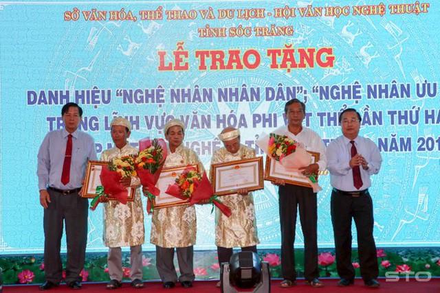Trao tặng danh hiệu Nghệ nhân nhân dân, Nghệ nhân ưu tú tại Sóc Trăng - Ảnh 1.