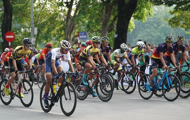 Khởi tranh cuộc đua xe đạp Về Điện Biên Phủ 2019  - Ảnh 1.