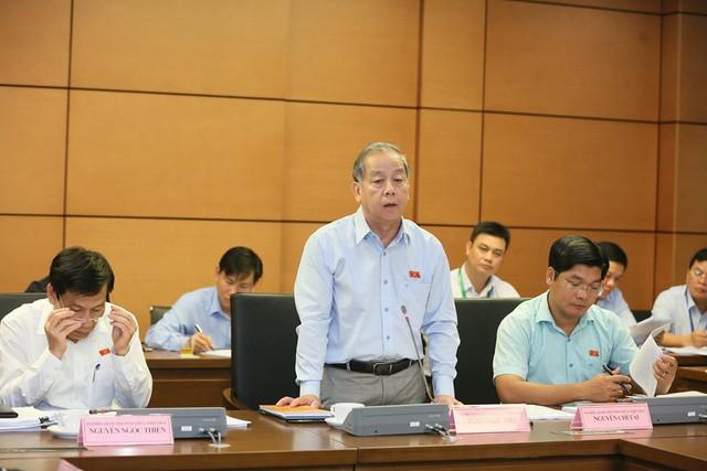 Bộ trưởng Nguyễn Ngọc Thiện tham gia phiên thảo luận tại tổ về báo cáo kinh tế, xã hội - Ảnh 1.