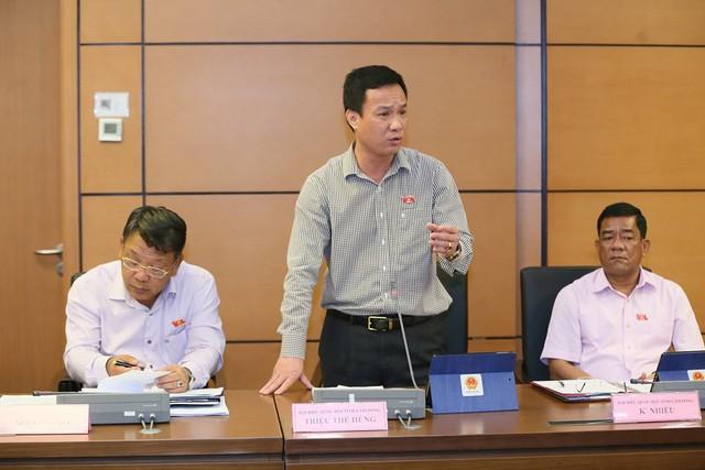 Bộ trưởng Nguyễn Ngọc Thiện tham gia phiên thảo luận tại tổ về báo cáo kinh tế, xã hội - Ảnh 2.