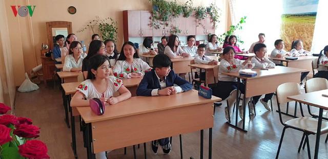 Đong đầy ý nghĩa cuộc thi Olympic tiếng Việt đầu tiên tại Kiev  - Ảnh 4.