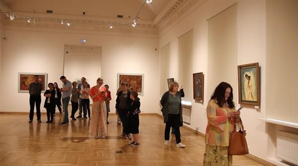Triển lãm tranh sơn mài Việt Nam tại Nga thu hút đông đảo công chúng  - Ảnh 3.