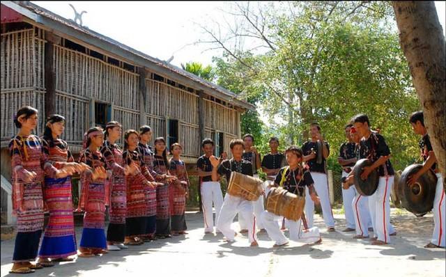Bảo tồn, phát huy di sản văn hóa trên địa bàn tỉnh Phú Yên - Ảnh 1.