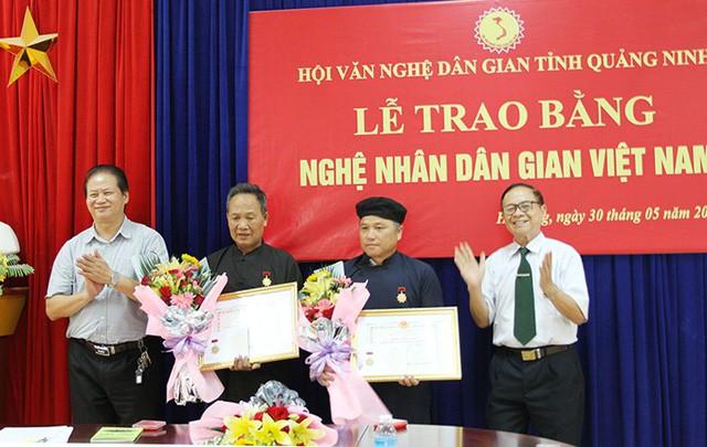 Quảng Ninh trao tặng danh hiệu Nghệ nhân Dân gian Việt Nam năm 2019 - Ảnh 1.
