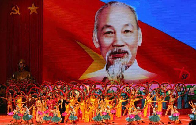 Tuyên truyền những thành tựu to lớn qua 50 năm thực hiện Di chúc của Chủ tịch Hồ Chí Minh - Ảnh 1.