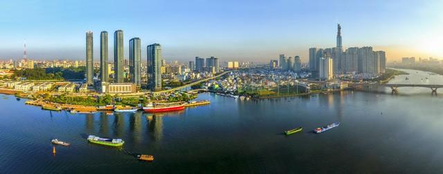 Giới thiệu hơn 200 hình ảnh, tư liệu về Di sản văn hóa, du lịch biển đảo Việt Nam - Ảnh 1.