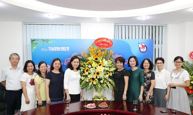Thứ trưởng Trịnh Thị Thủy thăm và chúc mừng các cơ quan báo chí nhân Ngày Báo chí cách mạng Việt Nam - Ảnh 2.