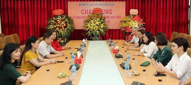 Thứ trưởng Trịnh Thị Thủy thăm và chúc mừng các cơ quan báo chí nhân Ngày Báo chí cách mạng Việt Nam - Ảnh 3.