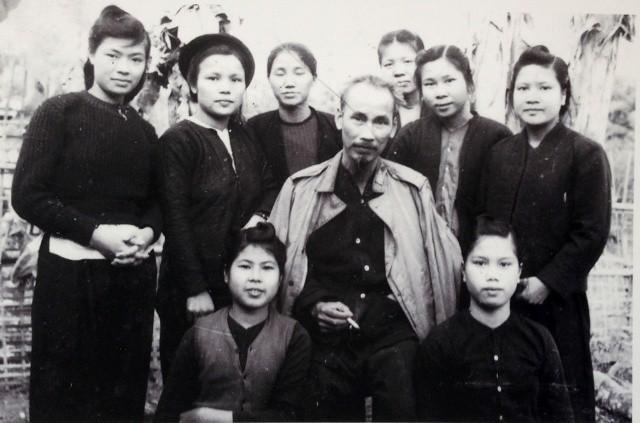 Bàn về lời căn dặn Đưa đến quyền bình đẳng thật sự cho phụ nữ trong Di chúc của Chủ tịch Hồ Chí Minh - Ảnh 1.