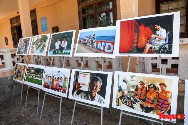 Khai mạc triển lãm chuyên đề về Lý Sơn - Tinh hoa di sản lễ hội, địa chất - Ảnh 2.