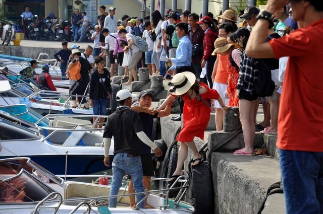 Trong 5 tháng năm 2019, Khánh Hòa đã đón hơn 2,7 triệu lượt khách lưu trú - Ảnh 1.