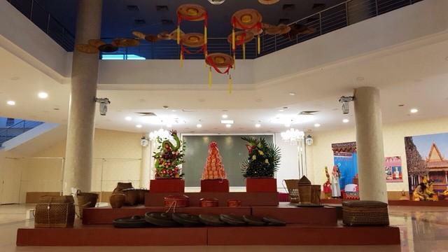 Trưng bày chuyên đề Lễ cưới truyền thống của các dân tộc Việt Nam - Ảnh 2.