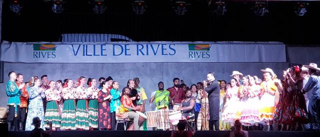 Dấu ấn Việt tại Festival văn hóa dân gian thế giới   - Ảnh 1.