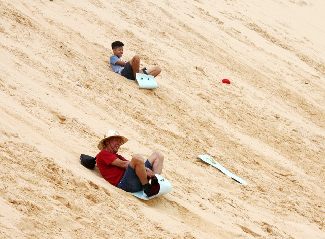 Bình Thuận: Khu du lịch sinh thái Bàu Trắng đón gần 92 ngàn lượt khách - Ảnh 1.