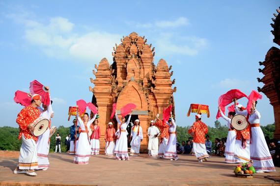 11 tỉnh, thành phố tham gia Ngày hội đồng bào dân tộc Chăm - Ảnh 1.