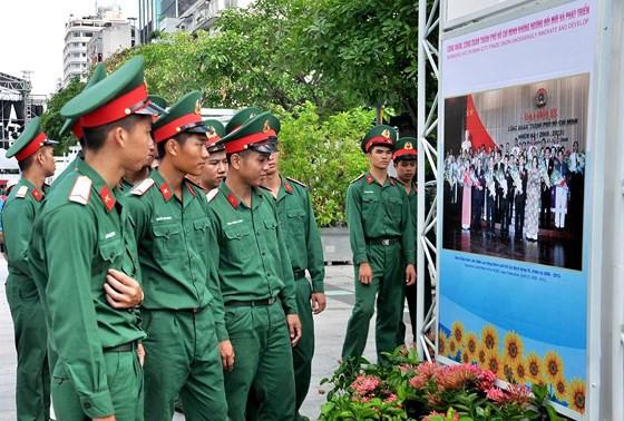 Công đoàn Việt Nam – 90 năm một chặng đường lịch sử - Ảnh 1.