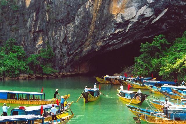 Giảm phí tham quan nhiều hang động nổi tiếng của Quảng Bình - Ảnh 1.