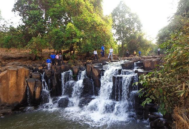 Đến năm 2025, Bình Phước phát triển đồng bộ hệ sinh thái du lịch thông minh - Ảnh 1.