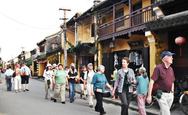 Hơn 4 triệu lượt khách đến Quảng Nam trong 6 tháng đầu năm 2019 - Ảnh 1.