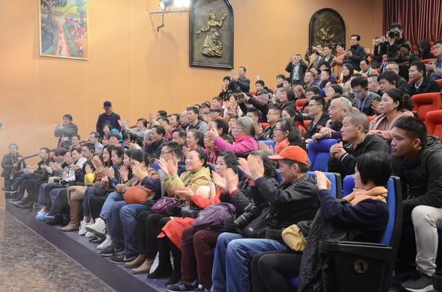 Tổng cục Du lịch thông báo việc thay đổi chính sách cấp thị thực cho người Việt Nam ở ba thành phố lớn - Ảnh 1.