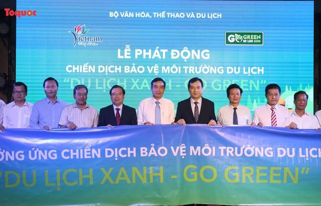 """Phát động Chiến dịch bảo vệ môi trường du lịch với chủ đề """"Go green – Du lịch xanh"""" - Ảnh 1."""