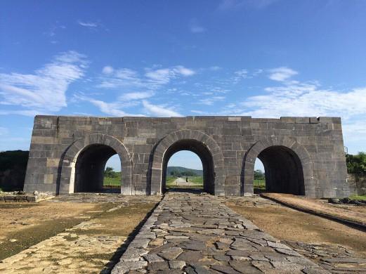 Hoàn thành tu sửa mái vòm và bảo tồn cổng Nam di sản Thành Nhà Hồ - Ảnh 1.