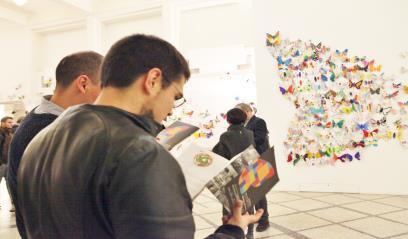 Hơn 1.300 cánh bướm của trẻ khuyết tật khắp thế giới trưng bày tại Hà Nội - Ảnh 2.