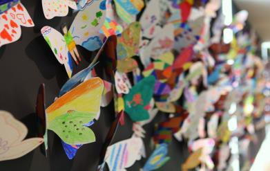 Hơn 1.300 cánh bướm của trẻ khuyết tật khắp thế giới trưng bày tại Hà Nội - Ảnh 6.