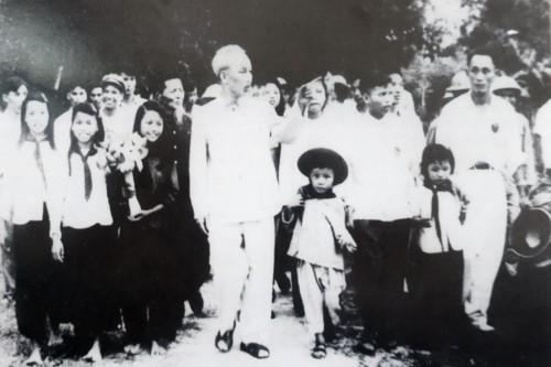 """5 tỉnh tham gia Triển lãm """"50 năm thực hiện Di chúc Chủ tịch Hồ Chí Minh"""" tại Hà Nội  - Ảnh 1."""