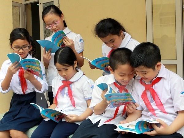 1.000 bản sách phục vụ nhân dân đảo Phú Quý - Ảnh 1.
