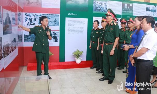 Khai mạc Triển lãm Di chúc của Chủ tịch Hồ Chí Minh – Nguồn sáng dẫn đường - Ảnh 1.