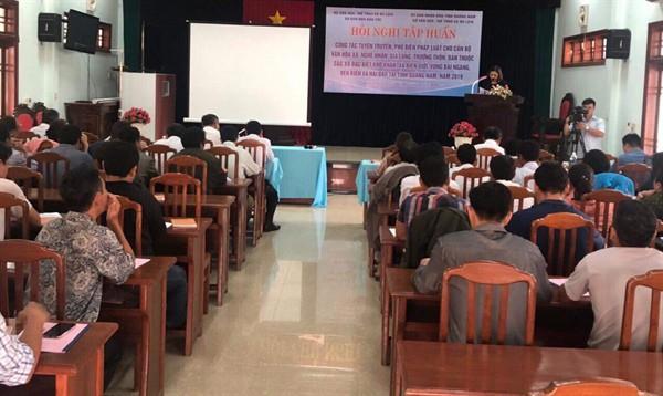 Tập huấn tuyên truyền, phổ biến pháp luật cho nghệ nhân, già làng tại Quảng Nam - Ảnh 1.
