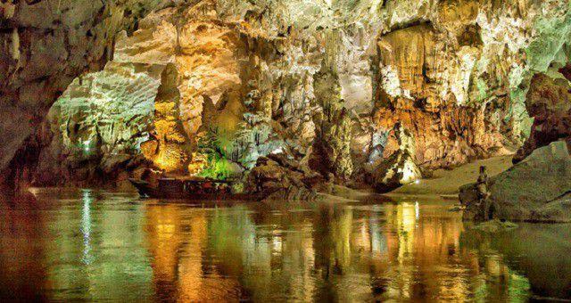 Phong Nha – Kẻ Bàng phải tạm dừng đón khách do nước dâng cao - Ảnh 1.