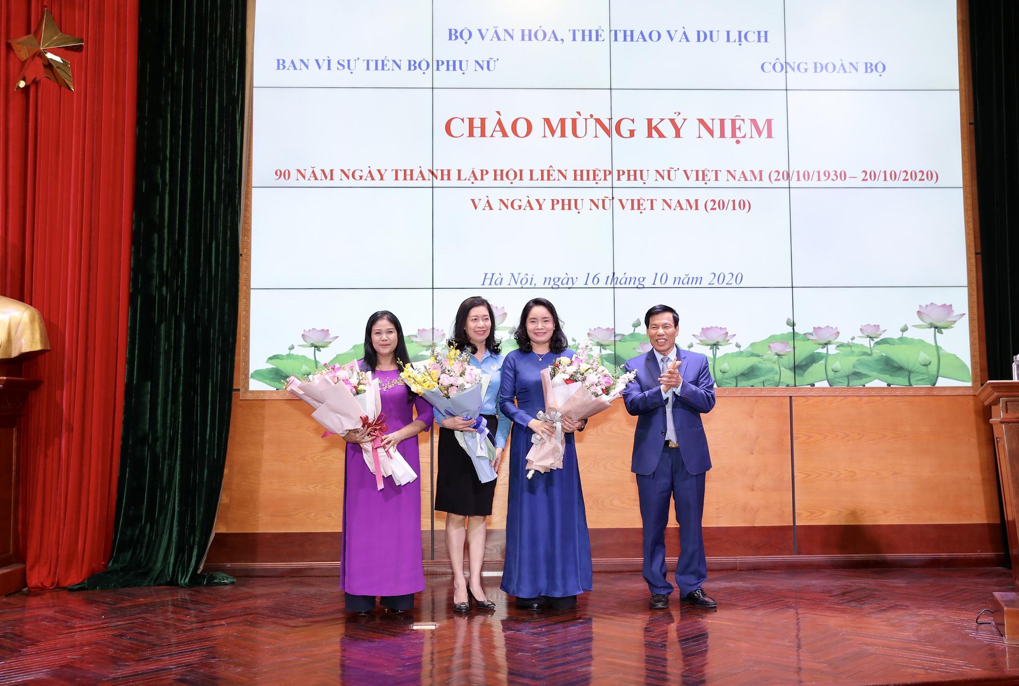 Bộ trưởng Nguyễn Ngọc Thiện: Cán bộ, công chức, viên chức, người lao động nữ đã có đóng góp lớn vào thành tích chung của Bộ VHTTDL - Ảnh 2.