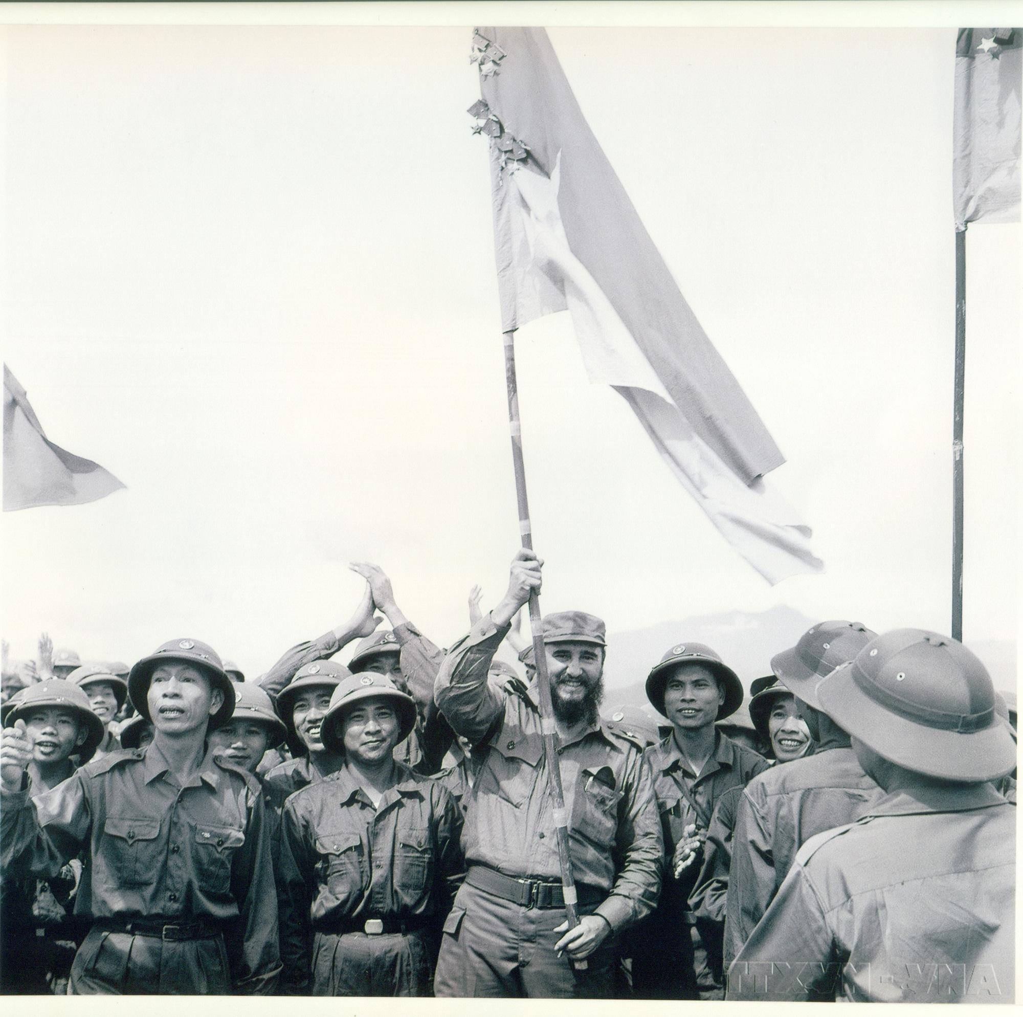 """Triển lãm """"Cuba trong trái tim nhân dân Việt Nam"""" - Ảnh 3."""