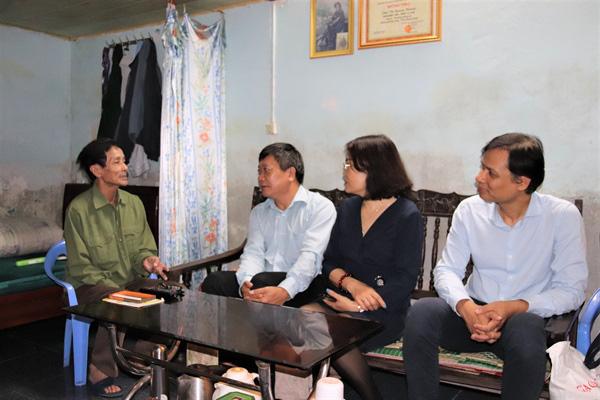 Công đoàn Khối Cơ quan tham mưu, quản lý nhà nước (Bộ VHTTDL): Thăm và tặng quà người có công với cách mạng, gia đình chính sách - Ảnh 2.