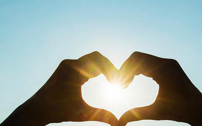 Ngày Quốc tế Hạnh phúc 20/3:  Chuyển tải thông điệp cân bằng, hài hòa là một trong những chìa khóa để mang đến hạnh phúc - Ảnh 1.
