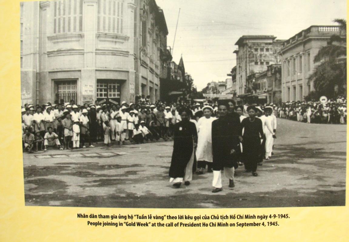 Khai mạc Trưng bày chuyên đề Chủ tịch Hồ Chí Minh- người sáng lập Nhà nước Việt Nam Dân Chủ Cộng Hòa - Ảnh 4.