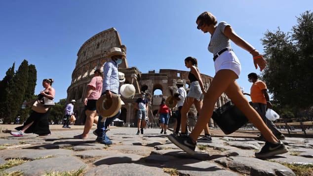 """Italy """"thấp thỏm"""" vì dịch bệnh: Ngành du lịch rơi vào bờ vực? - Ảnh 1."""