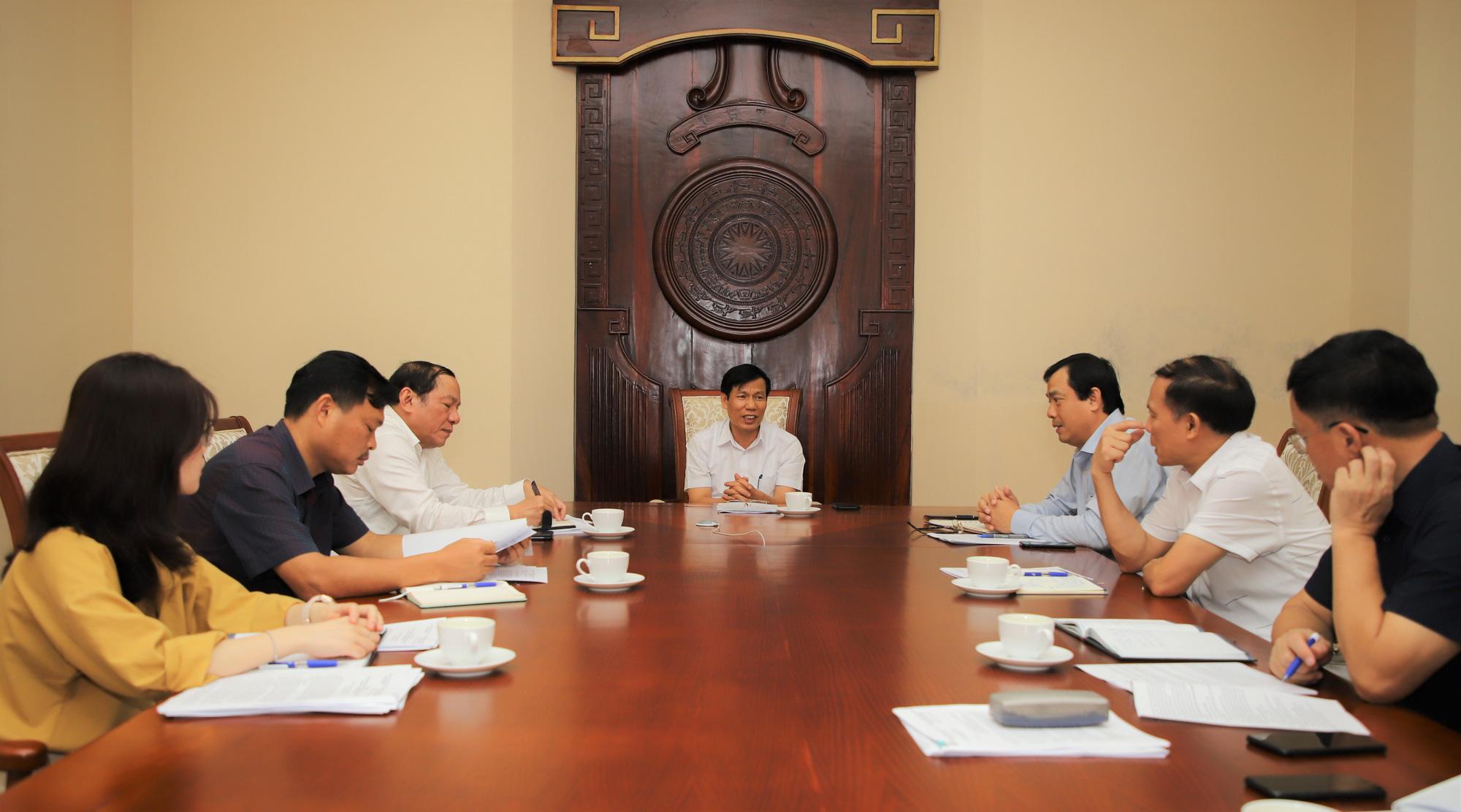 Họp bàn tìm các giải pháp hỗ trợ cho ngành Du lịch - Ảnh 1.