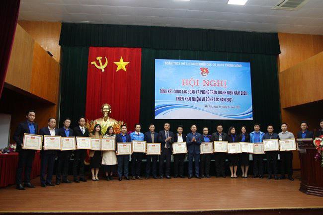 Đoàn Thanh niên Bộ Văn hóa, Thể thao và Du lịch nhận Bằng khen cho thành tích xuất sắc công tác Đoàn và phong trào thanh niên năm 2020. - Ảnh 2.