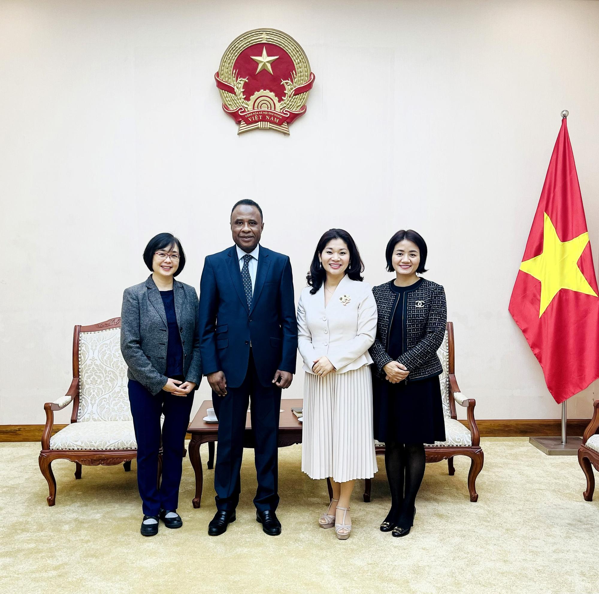 Cục trưởng Cục Hợp tác quốc tế tiếp Ông Chékou Oussouman  Trưởng đại diện tổ chức quốc tế Pháp ngữ OIF, khu vực châu Á  Thái Bình Dương tại Việt Nam - Ảnh 3.