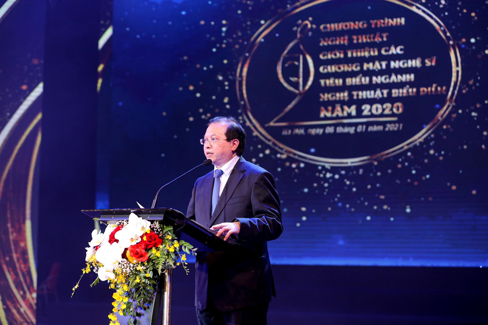 Ảnh: Vinh danh 69 nghệ sĩ tiêu biểu ngành nghệ thuật biểu diễn năm 2020 - Ảnh 3.